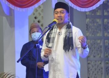 Sambut Ramadhan, Bupati Bone Bolango, Hamim Pou Tegaskan shalat tarawih berjamaah di masjid diperbolehkan selama menerapkan protokol kesehatan. (Dok. Instagram @PouHamim)
