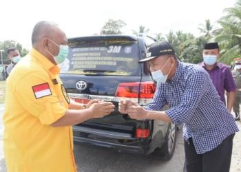 Plt Bupati Boalemo, Anas Jusuf menyambut hangat kunjungan Gubernur Gorontalo Rusli Habibie di Kecamatan Mananggu.(F.HMS)