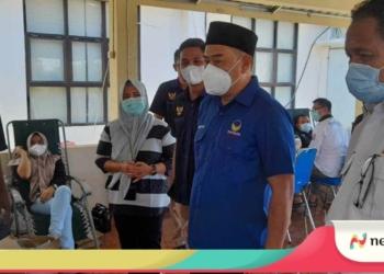 Ketua DPW Partai Nasdem Gorontalo, Hamim Pou saat melihat langsung kegiatan Donor Darah bersama Garda Pemuda Nasdem, Minggu (15/8)