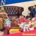 Bupati Gorut, Indra Yasin saat berbincang dengan pihak Ombudsma RI Perwakilan Gorontalo. (Rol/nn)