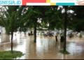 Banjir kembali melanda sejumlah wilayah di Kecamatan Limboto, Kabupaten Gorontalo, parahnya kali ini ketinggian air mencapai pinggang orang dewasa. (Mus/nn)