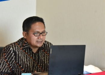 Wali Kota Gorontalo, Marten Taha saat membuka Rakorev Penyerapan Anggaran Triwulan III secara Virtual. (istimewa/nn)