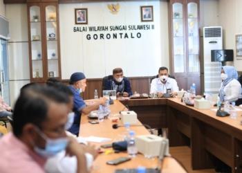 Pertemuan antara Pemda Pohuwato dengan BWSS II Gorontalo membahas masalah banjir.(f.hms)
