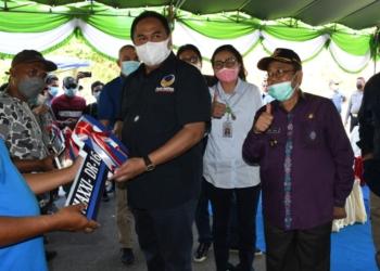 Penyerahan bantuan alat pertanian di Gorontalo Utara (Gorut)-(f.hms)